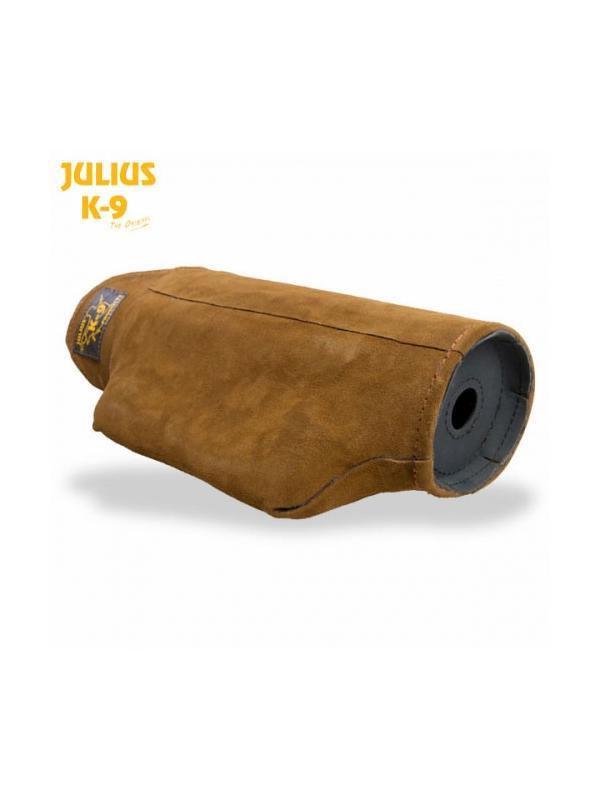 Media manga de IPO RCI forrada en cuero Julius K9 - Media manga ligera para el entrenamiento de perros de IPO, RCI, etc. Cubre el antebrazo y tiene la parte de mordida ligeramente acolchada para un trabajo agradable para el perro. Opcionalmente se puede adquirir la funda por separado. Uso profesional.
